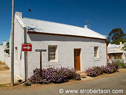Calitzdorp Cottage - Click for large image