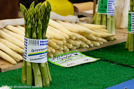 White and Green Asparagus 2