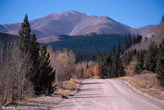 Gravel road leading to Boreas Pass